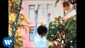 Video: Kehlani - Alive (feat. Coucheron)